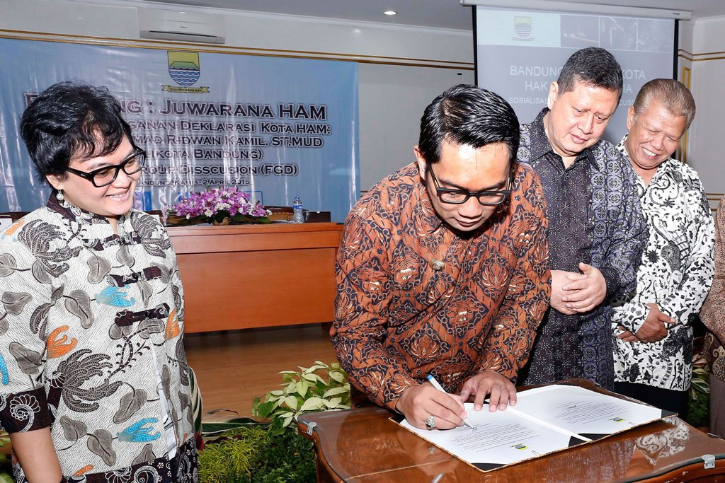 Signed a Memorandum of Understanding in regard to developing Bandung as a human rights city.